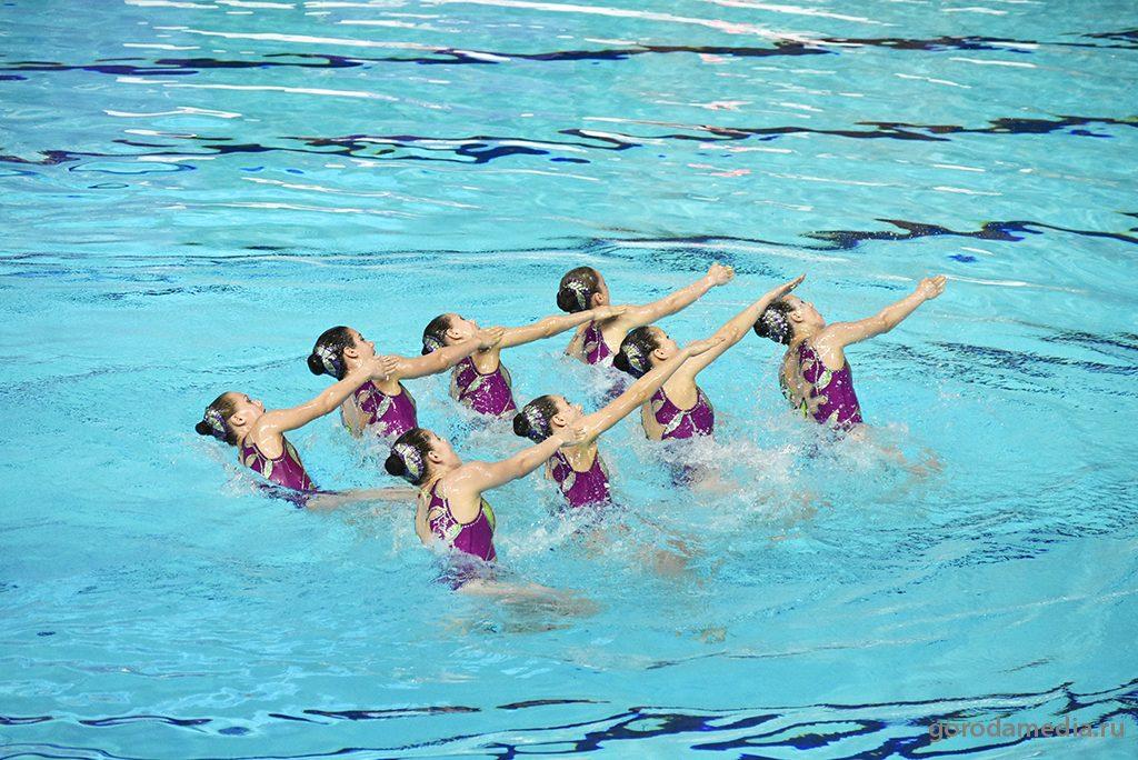 Чемпионат страны и этап Мировой серии FINA по синхронному плаванию стартовал в Казани