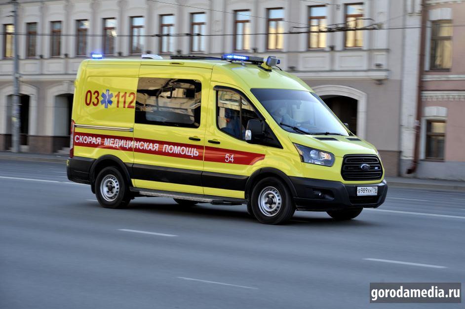 О доплатах медикам президент Владимир Путин объявил 8 апреля. Врачи, работающие с больными коронавирусом, должны получать по 80 000 руб. в месяц (с апреля по июнь включительно), фельдшеры и медсёстры – по 50 000 руб., младший медицинский персонал – по 25 000 руб. Фото: gorodamedia.ru