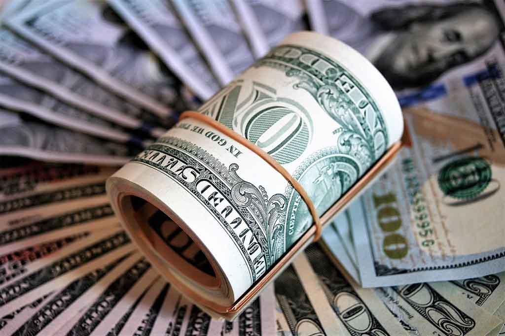 Экономика страны основана, в том числе, на суверенной валюте, но сам рубль строго привязан к доллару Федеральной резервной системы США. Именно поэтому мы говорим рубль, но подразумеваем доллар. Фото: pixabay.com