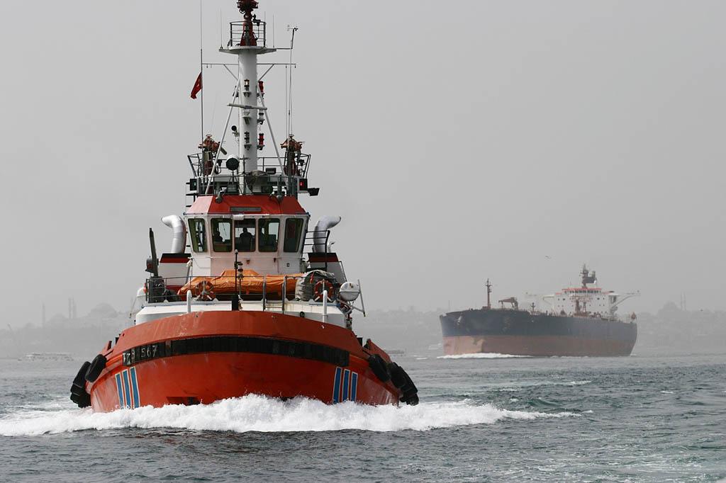 Большая нефть совершает немалый путь прежде чем доберётся до своего потребителя. Фото: pixabay.com