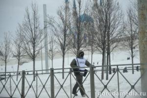 Акция протеста, организованная сторонниками Алексея Навального, началась возле театра Г.Камала, оттуда протестующие, двинулись по Право- и Левобулачной в направлении Кремля/Фото: Игорь Галиев