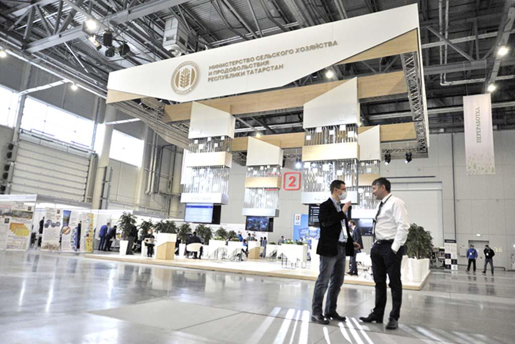 На специализированной выставке «ТатАгроЭкспо» приняли участие более 220 компаний из 25 регионов РФ, а также 17 зарубежных представительств/ Фото: Игорь Галиев